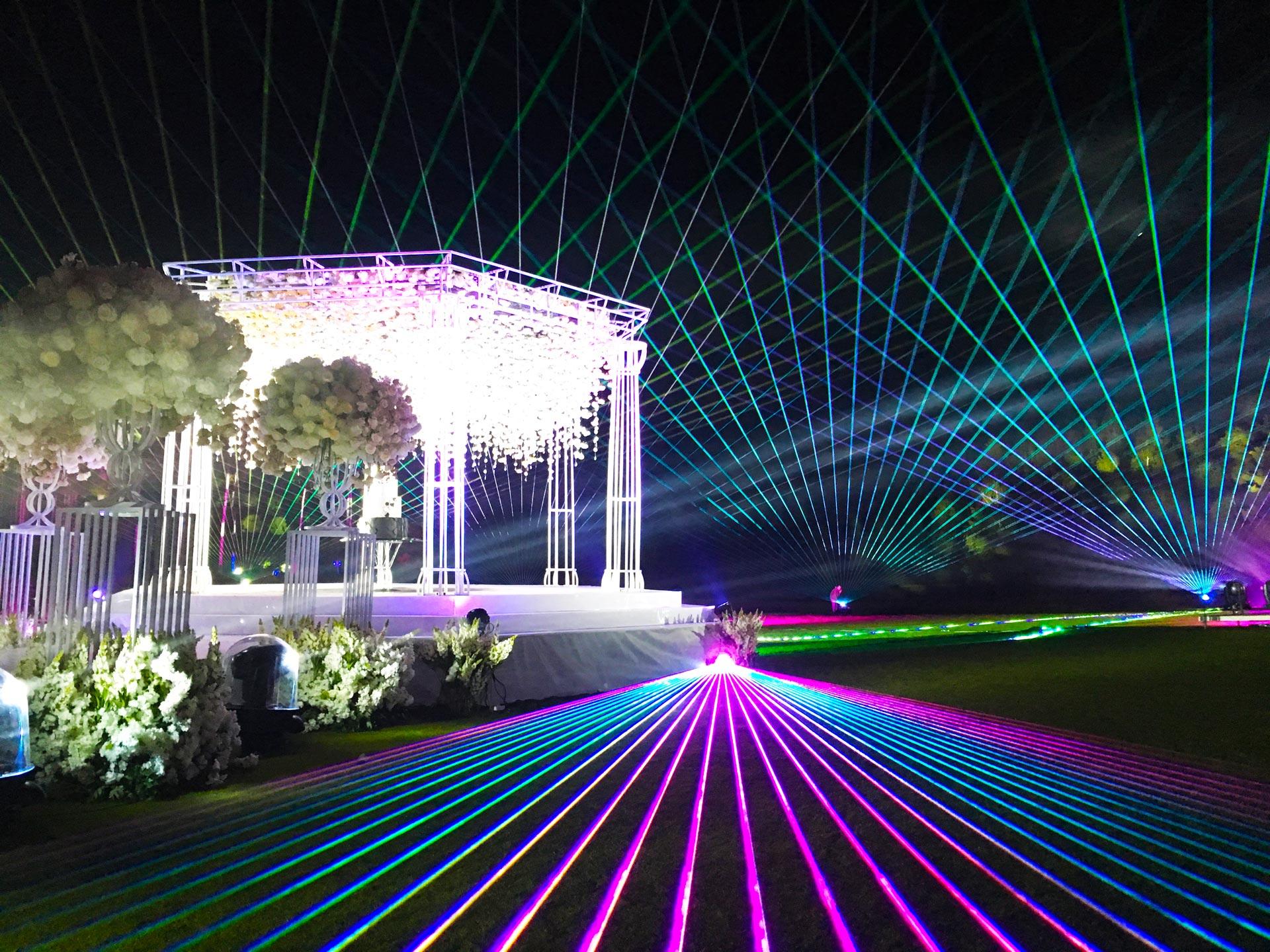Лазерное-шоу-на-свадьбу-улица2WEB